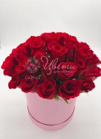 Букет из 25 роз в коробке «Роковое искушение»