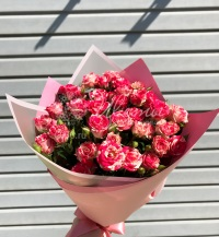 Букет из кустовых роз «Малиновое очарование»